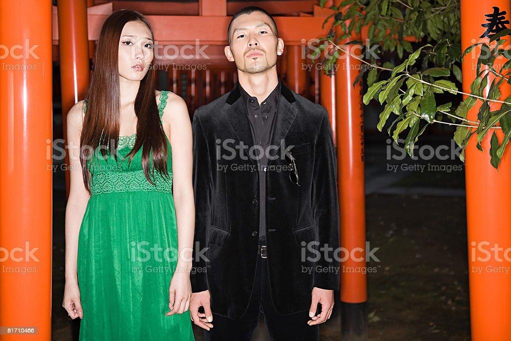 Homem Jovem sério com sua namorada foto de stock royalty-free