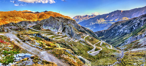 Serpentine road to the St. Gotthard Pass in the Swiss – Foto