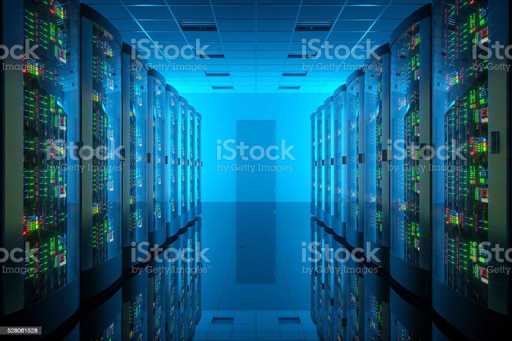 Servidor habitación en el centro de datos. Equipos de telecomunicaciones - Foto de stock de Agresión libre de derechos