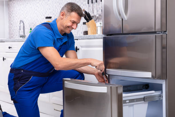 25,867 Appliance Repair Stock Photos, Pictures & Royalty-Free Images -  iStock