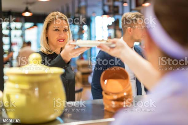 Serving soup picture id650251182?b=1&k=6&m=650251182&s=612x612&h=ytiefp e rkcsiqug0e2nrummsej8ah4ii4atkauxaa=