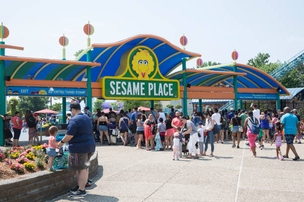 sesame place at langhorne - memorial day weekend stock pictures, royalty-free photos & images