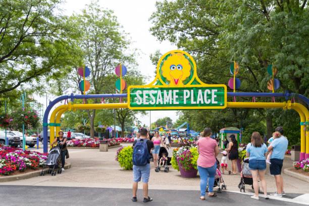 Sesame place is a childrens theme park picture id1007820704?b=1&k=6&m=1007820704&s=612x612&w=0&h=ikakopfgyfrzalbcxvr0tacrgvpnswdneccm4dxqa9y=