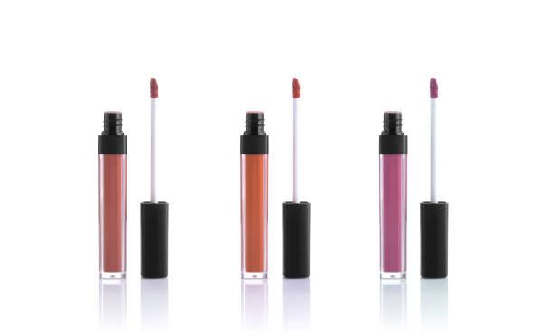 setzen Sie Farben Lipgloss isoliert auf weißem Hintergrund. Kosmetik für Lippen. – Foto