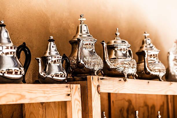 Zestaw Arabski nana Herbata mennicy z metalowymi Zapuszkują – zdjęcie