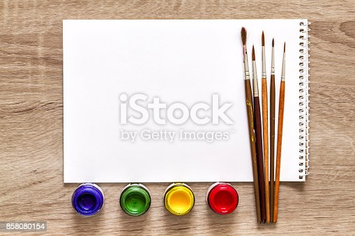 istock Set of art objects 858080154