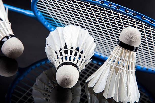 Ensemble de badminton. Paddle et le Volant de badminton. - Photo