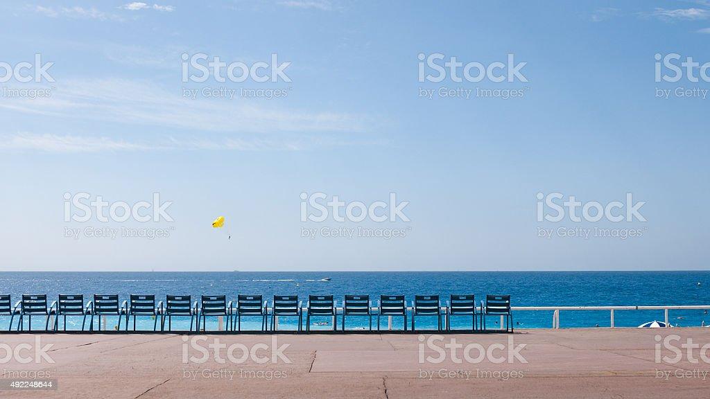 Sedie Blu Nizza : Set di blu sedie sulla boulevard a nizza fotografie stock e