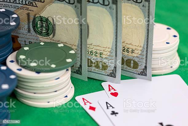 Деньги и фишки казино покер онлайн основы