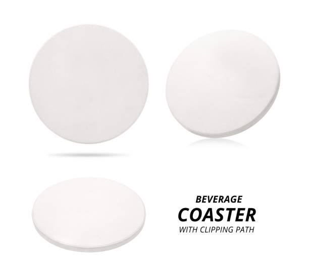 satz von keramischen getränke untersetzer isoliert auf weißem hintergrund. keramische bodenplatte für setzen ihre tasse. (clipping-pfad) - untersetzer stock-fotos und bilder