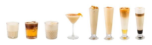 satz von weichen klassischen kaffee-basierte alkohol cocktails und longdrinks isoliert auf weißem hintergrund - schokolikör stock-fotos und bilder