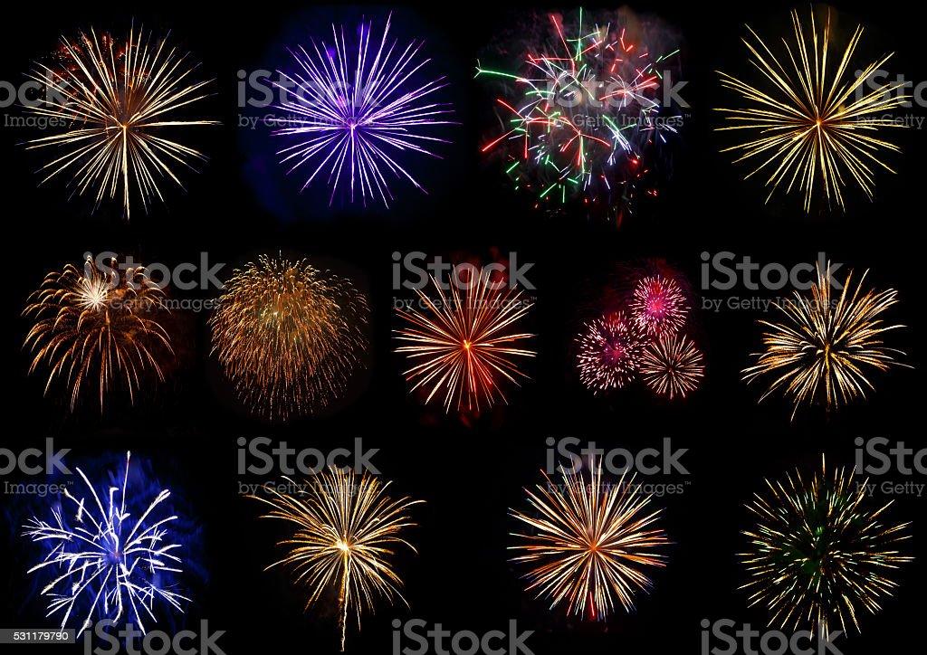 Ein Satz von bunten Feuerwerk isoliert auf schwarzem Hintergrund. – Foto
