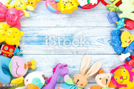 istock Set of colorful Kids toys frame. Copy space for text 881676714
