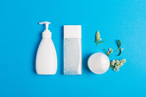Set Of Cosmetics On A Blue Background - Fotografie stock e altre immagini di Accudire