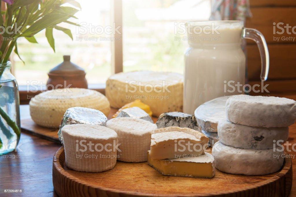 Reihe von verschiedenen Käse – Foto
