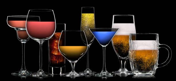 ensemble de différentes boissons dans des verres différents - spiritueux photos et images de collection