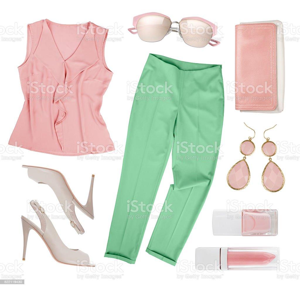 a2764eea2 Conjunto de elegante mujer de ropa y accesorios aislado sobre blanco foto  de stock libre de