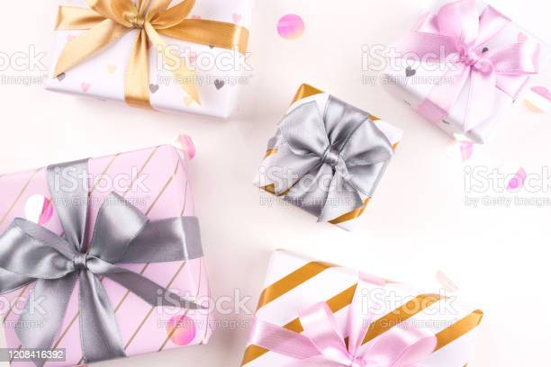 Set of gift boxes with bows and confetti on a white background picture id1208416392?b=1&k=6&m=1208416392&s=612x612&h= xn3dlaqwvufz1rnky2enlzvnp6 ueczaggncko7w9o=