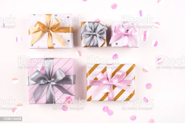 Set of gift boxes with bows and confetti on a white background picture id1208416409?b=1&k=6&m=1208416409&s=612x612&h=rc9oo3duqarwutibu5uul6p4bxitwnecb20j58uzk20=