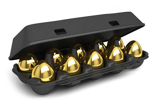 set of golden eggs - chicken bird in box stockfoto's en -beelden
