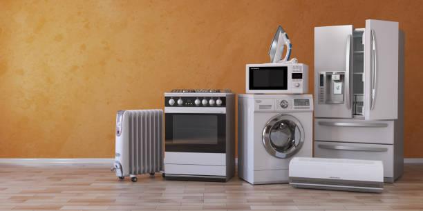 set van huishoudelijke keuken technics op gele achtergrond. instellen van het apparaat in de nieuwe appartementen. e-commerce online internetwinkel en het leveren van toestel concept. - huishoudelijk apparaat stockfoto's en -beelden