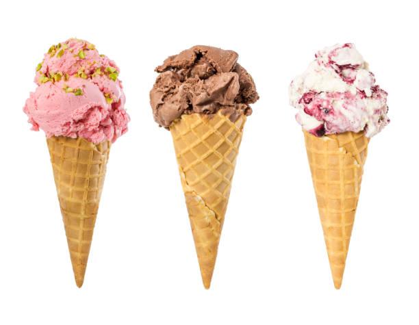 dondurma waffle koni üzerinde beyaz izole kümesi - ice cream stok fotoğraflar ve resimler