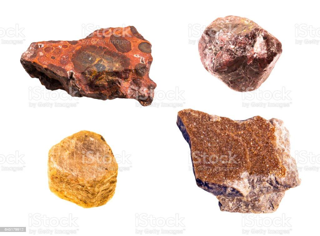 Ensemble d'alumine isolé contenant des matériaux y compris grenat, corindon, bauxite sur fond blanc - Photo