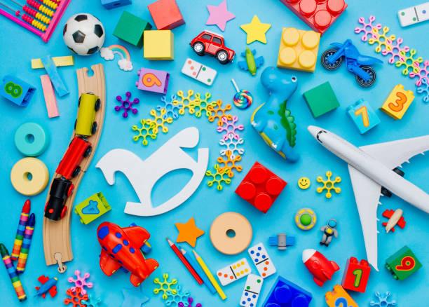 藍色背景的兒童玩具套裝 - 玩具 個照片及圖片檔