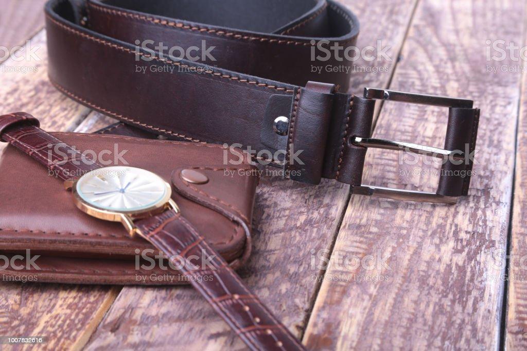 992372891b4a Conjunto de accesorios de los hombres para el negocio con correa de cuero