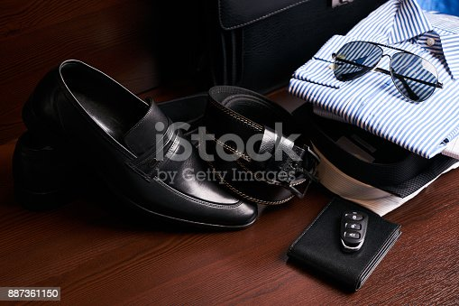 625840656 istock photo Set of men's business clothing 887361150