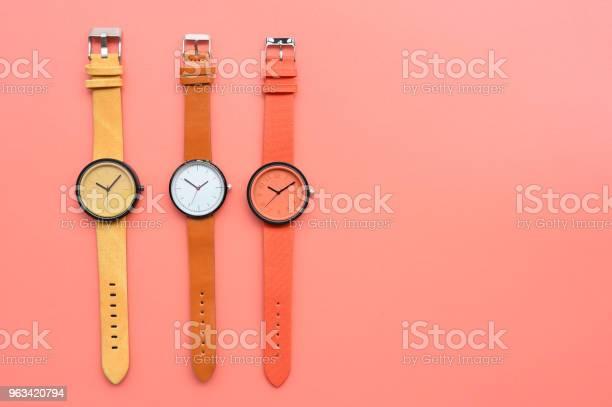 Zestaw Wielokolorowych Zegarków Na Rękę - zdjęcia stockowe i więcej obrazów Akcesorium osobiste
