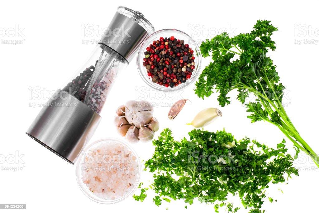 Satz Von Natürliche Gewürze Und Kräuter Für Die Küche Stockfoto und mehr  Bilder von Basilikum