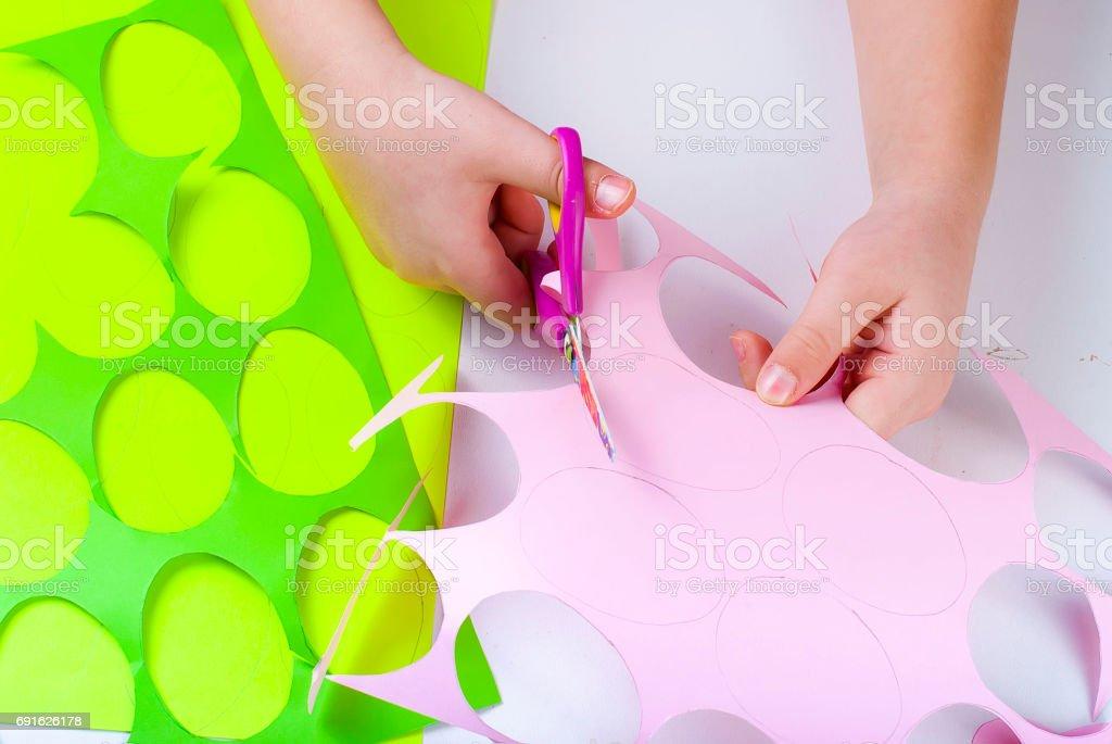 Reihe Von Papier Eiern Basteln Mit Kindern Stockfoto Und