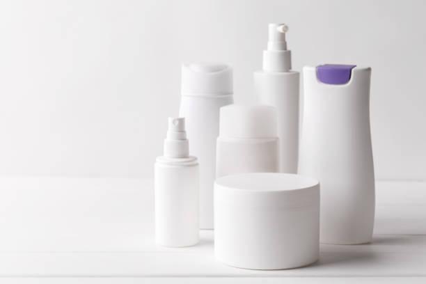 Satz von Plastik-Beauty-Flaschen – Foto