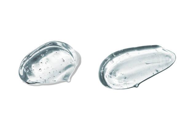 set di strisci da gel cosmetico con acido ialuronico. siero per viso sotto forma di gel trasparente con bolle su sfondo bianco isolato - gel per capelli foto e immagini stock