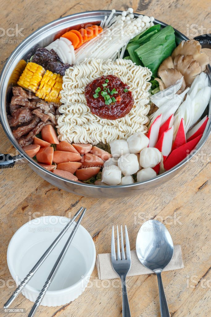 Set of Sukiyaki, Shabu with noodle and vegetable in the pot on wooden table foto de stock royalty-free