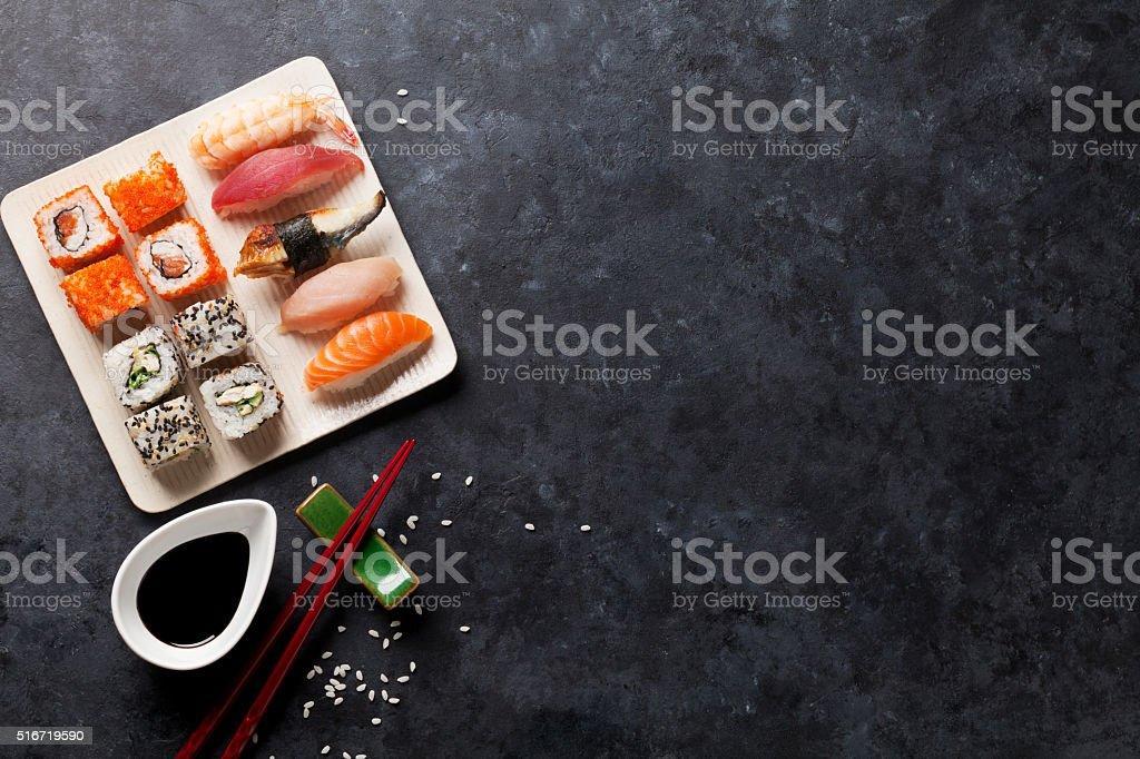 Ensemble de Sushi et Maki - Photo