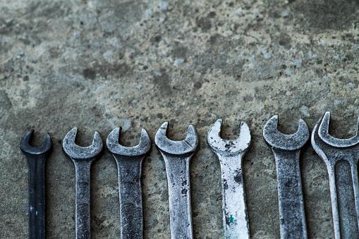 렌치 편리한 산업 도구 판매 기계 워크숍 편리한 도구에서 키의 설정 강철에 대한 스톡 사진 및 기타 이미지