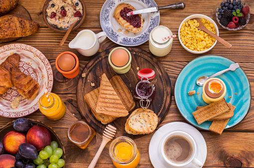 Set The Table For Breakfast Foto de stock y más banco de imágenes de Alimento