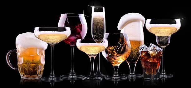 ensemble de différentes boissons - spiritueux photos et images de collection
