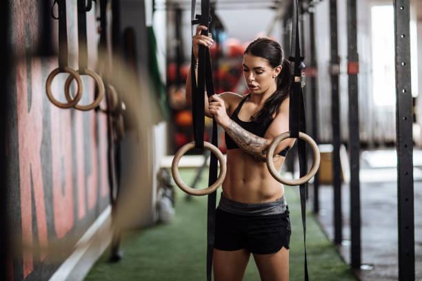 einstellung - gymnastik tattoo stock-fotos und bilder