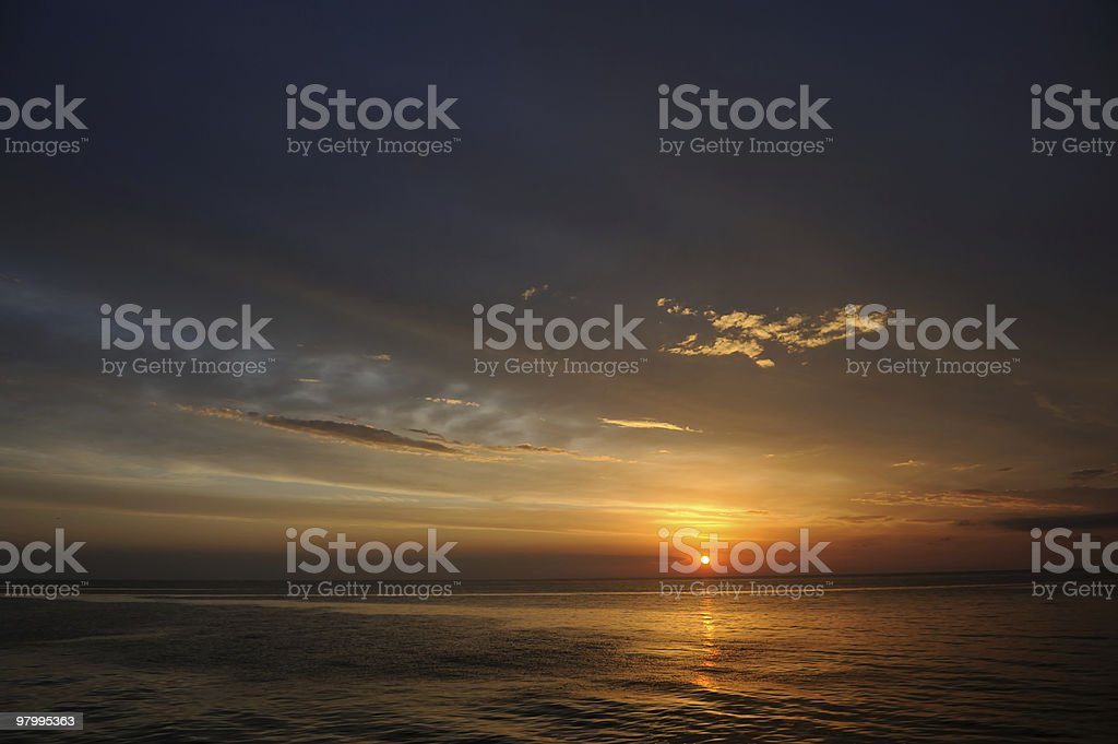 setting sun royalty free stockfoto