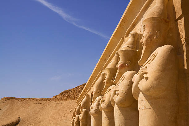 Seven statues look out over the nile luxor west bank  valley of the kings stock pictures, royalty-free photos & images