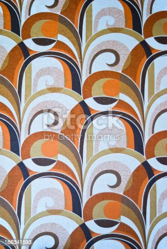 istock Seventies vintage room wallpaper 186341593