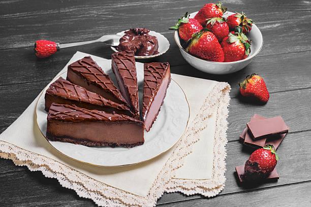 verschiedene kuchen-käsekuchen - schokoladen trüffeltorte stock-fotos und bilder
