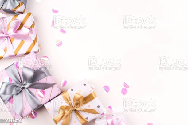 Several gift boxes with bows and confetti on a white background picture id1208414793?b=1&k=6&m=1208414793&s=612x612&h=jrvv8f6od5klffse6gdiyppnhmtsouuse5nfzktnxow=