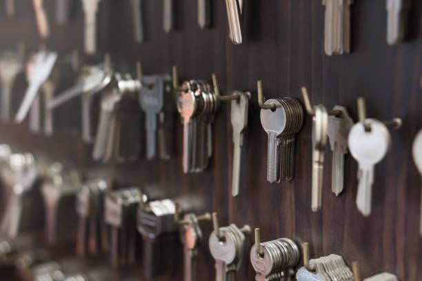 várias chaves do tipo, como tecla doméstica e de carro - chave - fotografias e filmes do acervo