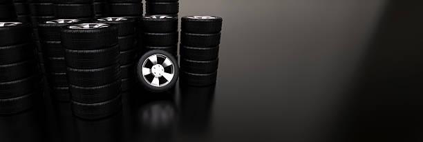 Viele Stapel von Auto Reifen – Foto