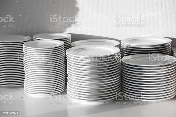 Several stacks of white porcelain plates picture id523175574?b=1&k=6&m=523175574&s=612x612&h=hm1punvwokan1pl4ff c10sc7zerwxa c794irparas=