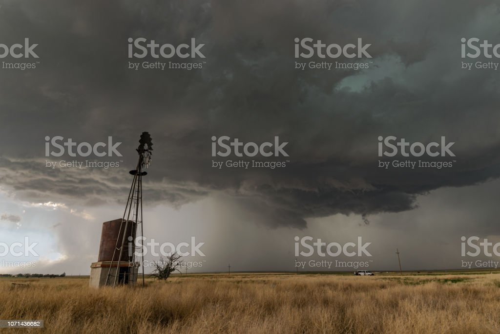 Dramatic and violent scene in the extreme northern Texas panhandle.